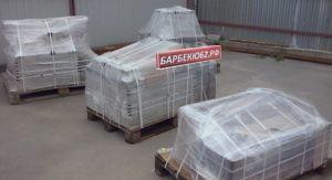 Уличный камин-барбекю упакованный на палеттах
