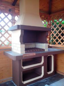 Смонтированная и покрашенная печь-барбекю в беседке размером 3*4